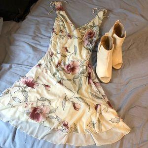 City Triangles Beautiful Spring/Summer Dress
